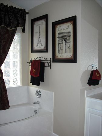 Paris bathroom decor 40 photo bathroom designs ideas for Bathroom decor