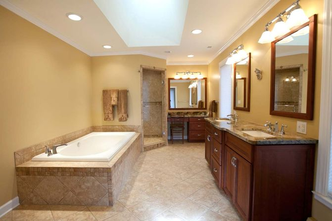 Main bathroom remodel tips bathroom designs ideas for Main bathroom designs