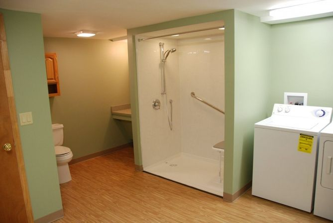 7 great ideas for handicap bathroom design bathroom designs ideas - Handicapped accessible bathroom plans ...