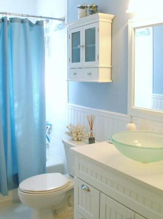 Coastal bathroom d cor main differences from the ocean for Main bathroom design ideas