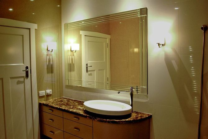 Amazing Full Bath And A Second Laundry Room Many Of The Homes Amenities And Details Are Less Obvious, Such As The Rounded Sheetrock Corners, The Soft Close Drawer