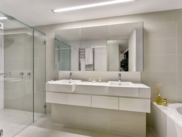Large bathroom mirror 3 design ideas bathroom designs ideas Mirror design for small bathroom