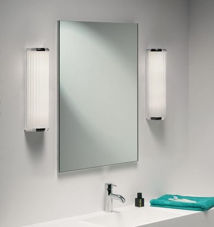 Lighted Bathroom Wall Mirror Basically Includes The Same 3 Types Of Mirrors Mentioned Above With Added In Built Lights Lighted Wall Mirrors Look Very
