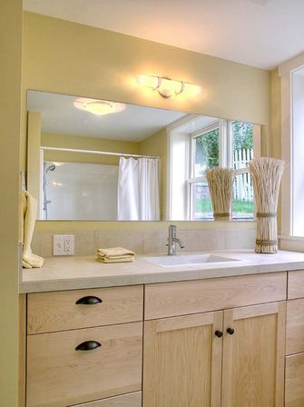 Large bathroom mirror 3 design ideas bathroom designs ideas for Vanity mirrors for bathroom ideas