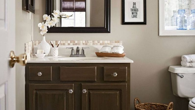 Beautiful And Practical Lining In Using Bathroom Decor Sets